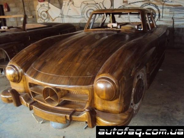 деревянный Mercedes-Benz 300SL Gullwing