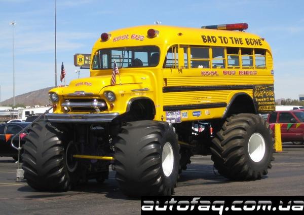 монстр-трак школьный автобус