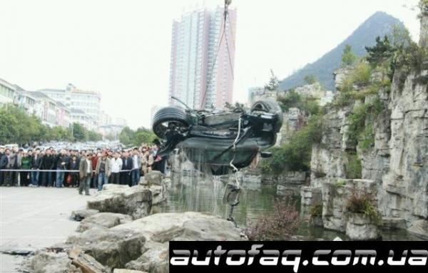 утонул Mercedes-Benz SLS AMG