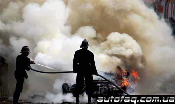 Audi R8 горит