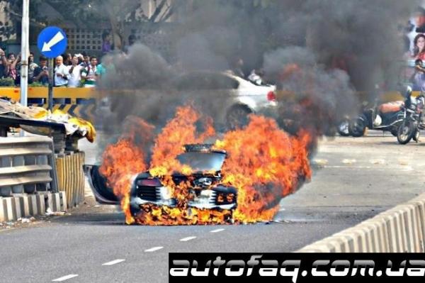 сгорела Audi R8
