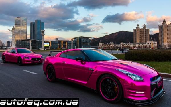 Розовая Maserati и Nissan