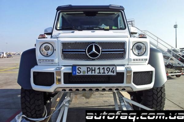 шестиколёсный Mercedes-Benz G63 AMG
