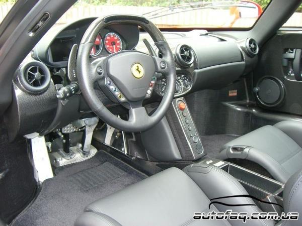 Ferrari Enzo интерьер