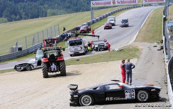 авария Mercedes SLS AMG GT3