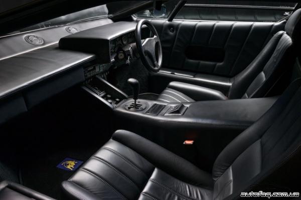 интерьер Lamborghini Countach 25th Anniversary Edition